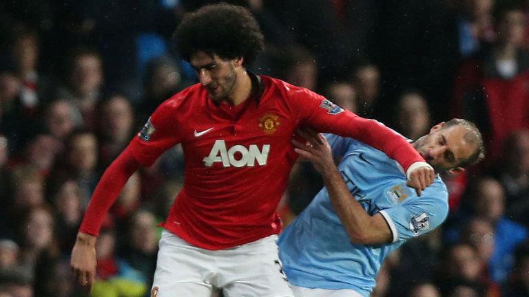 """""""Dia berlari ke arah sikut saya,"""" kata Fellaini. Foto: skysports.com"""